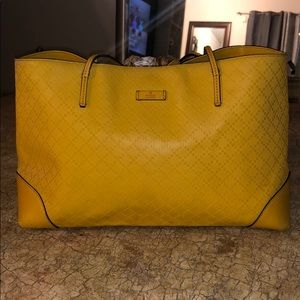 GUCCI TOTE / CARRY ON